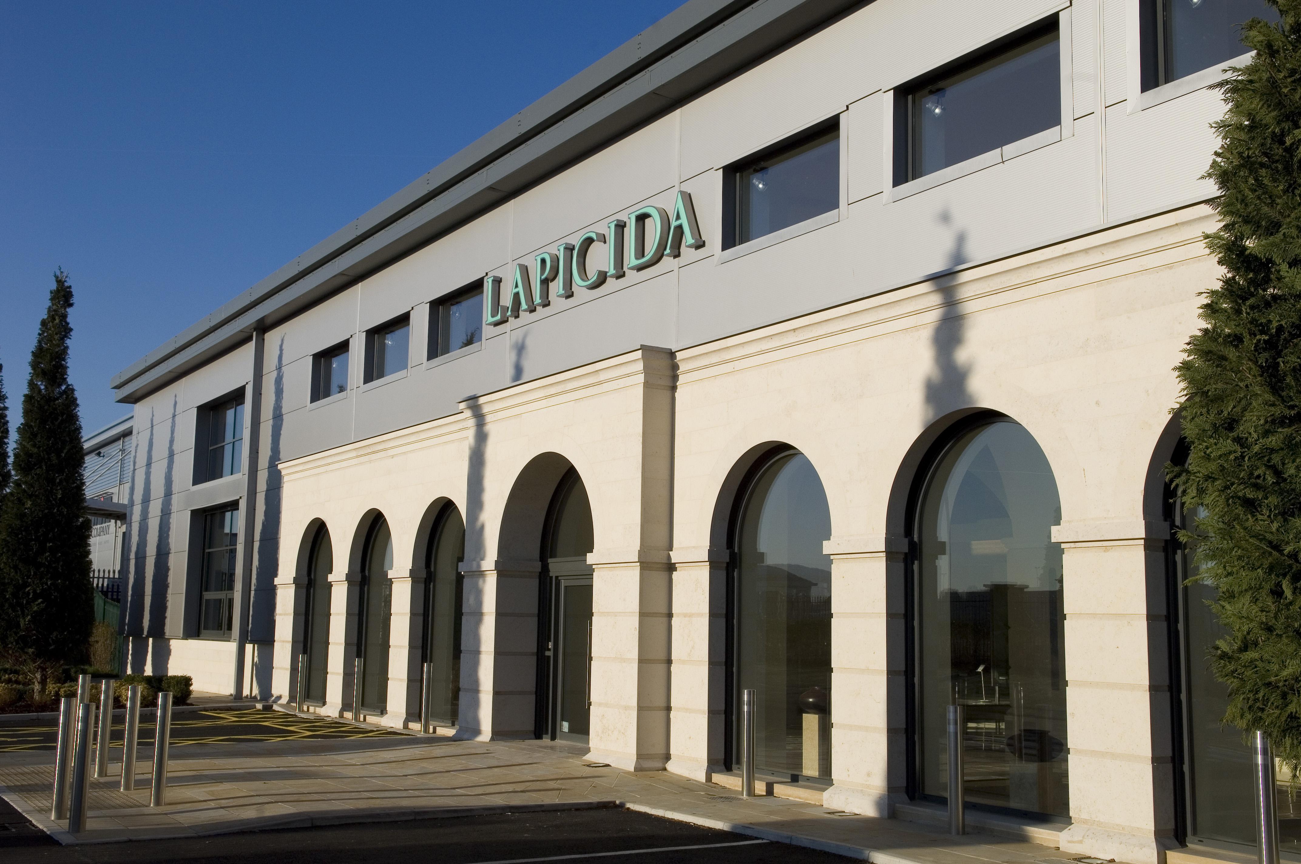 Lapicida_Harrogate-Showroom_First-day-HR (11)